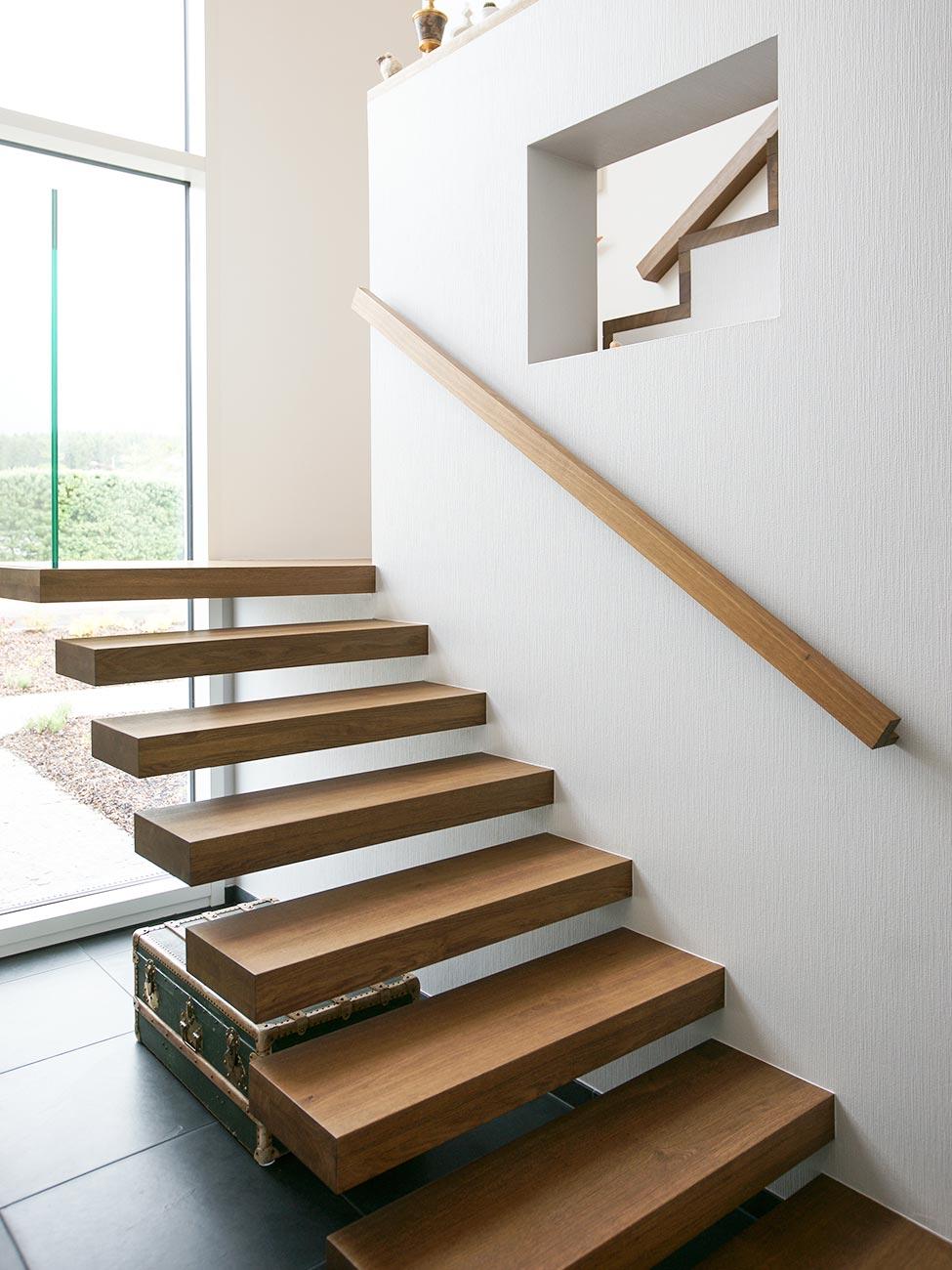 Treppe zeichnung  Maßgeschreinerte Treppen mit Stil – Schreinerei Gorgeneck